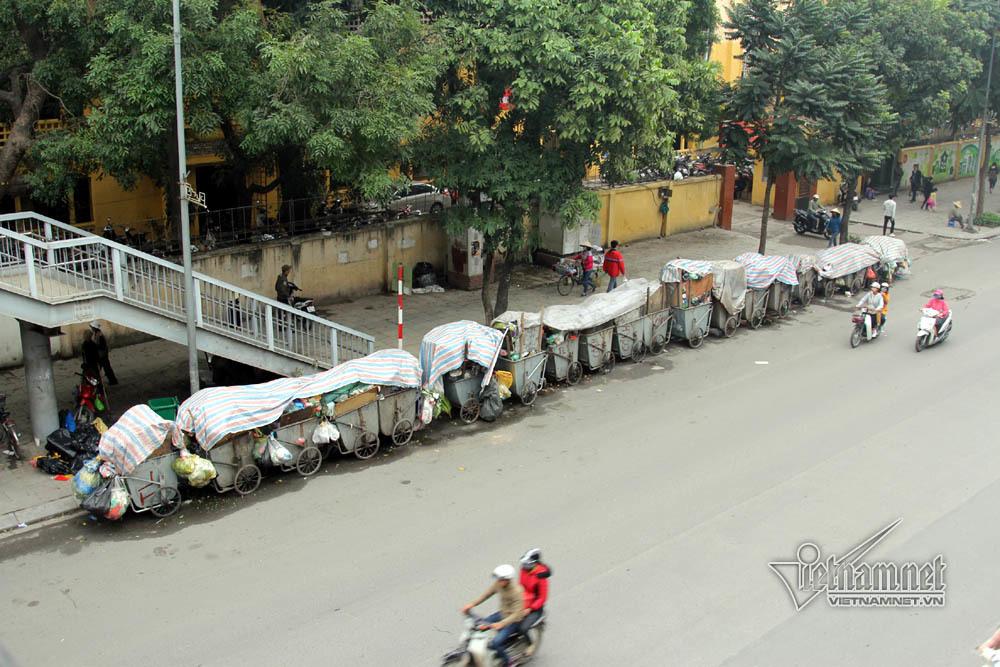 Sự cố ở Thủ đô: 3 ngày không đổ rác, phế thải tràn lòng đường, ngõ phố-14