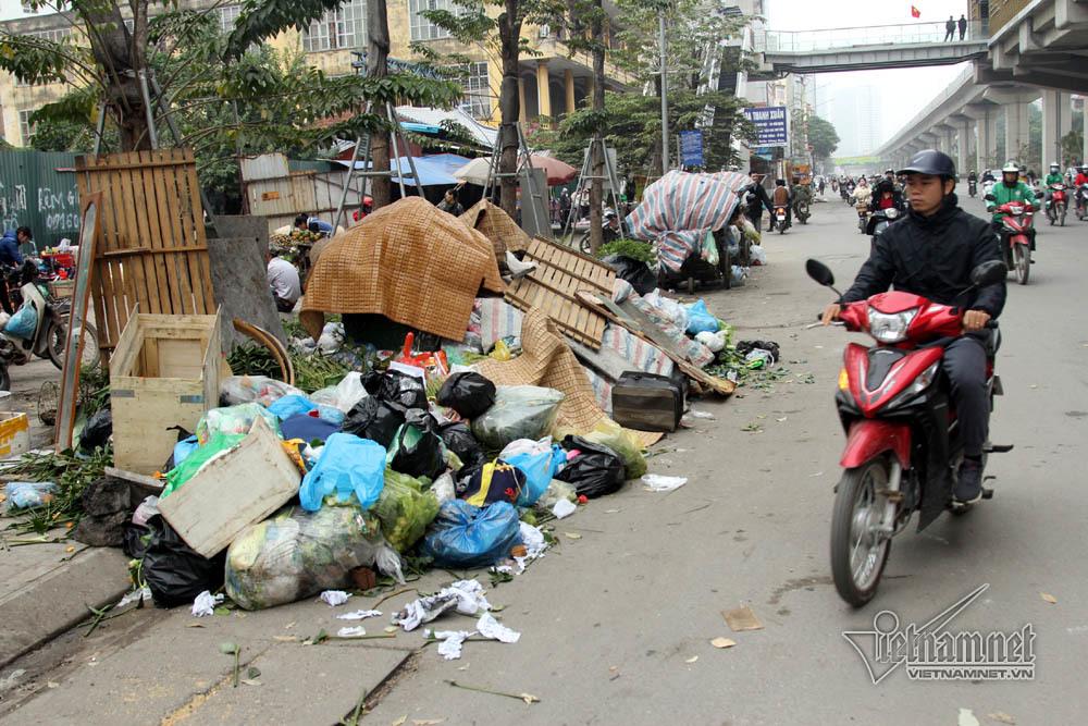 Sự cố 3 ngày không đổ rác: Hà Nội yêu cầu di dân khỏi vùng ảnh hưởng-2