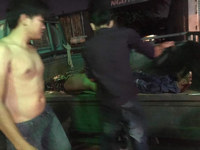 20 giang hồ Sài Gòn vác mã tấu chém gục 4 thanh niên trong phòng trọ-4