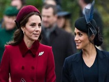 """Thêm bằng chứng cho thấy Meghan và chị dâu Kate """"bằng mặt không bằng lòng"""", họ chỉ đang """"diễn"""" trước công chúng"""