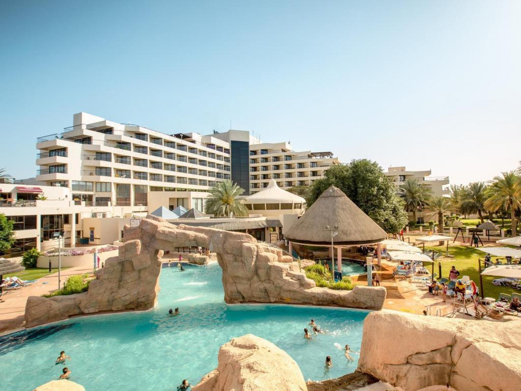Trước trận quyết đấu Yemen, tuyển Việt Nam chuyển tới ở resort sang chảnh bậc nhất UAE-2
