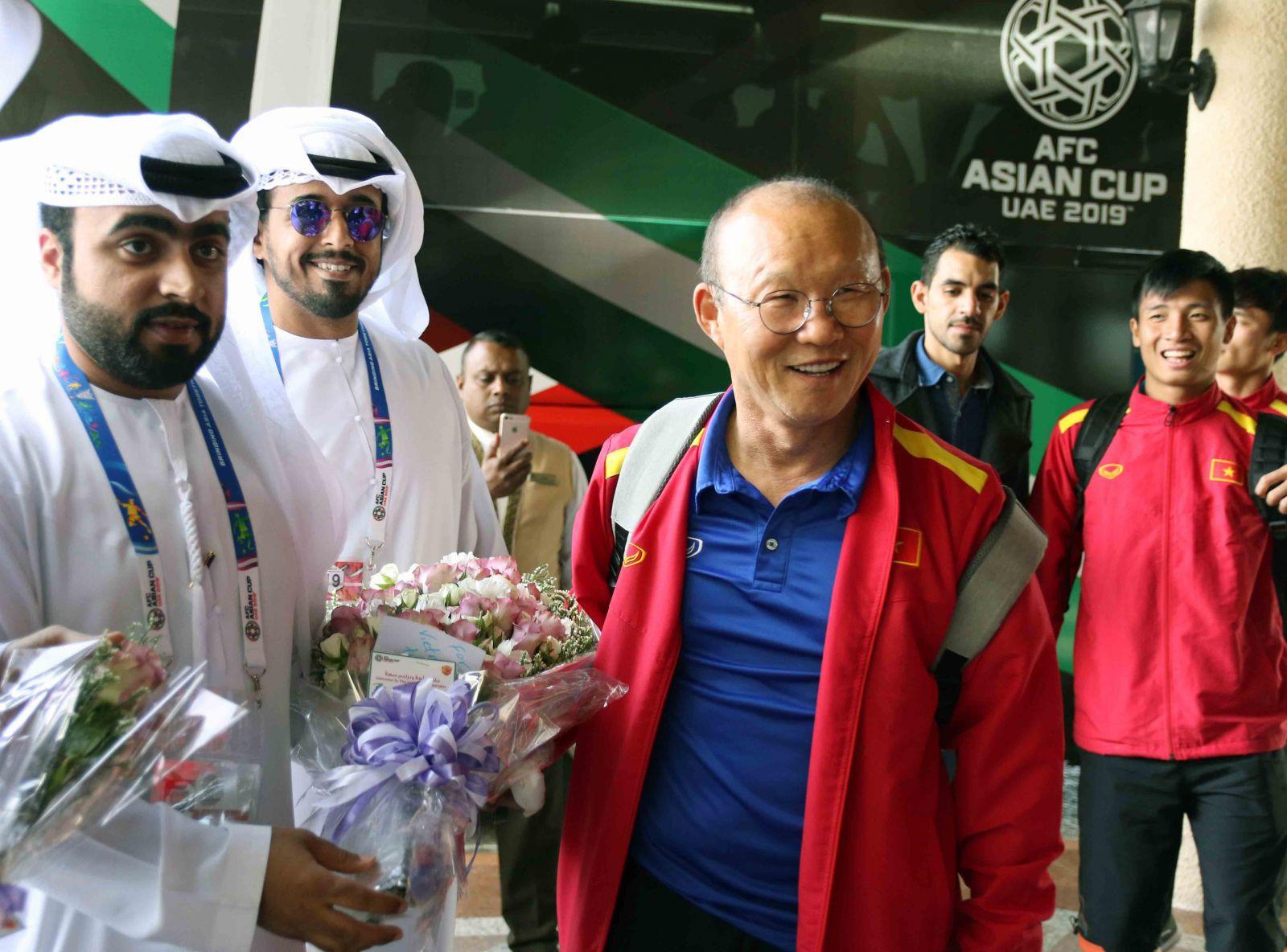Trước trận quyết đấu Yemen, tuyển Việt Nam chuyển tới ở resort sang chảnh bậc nhất UAE-9