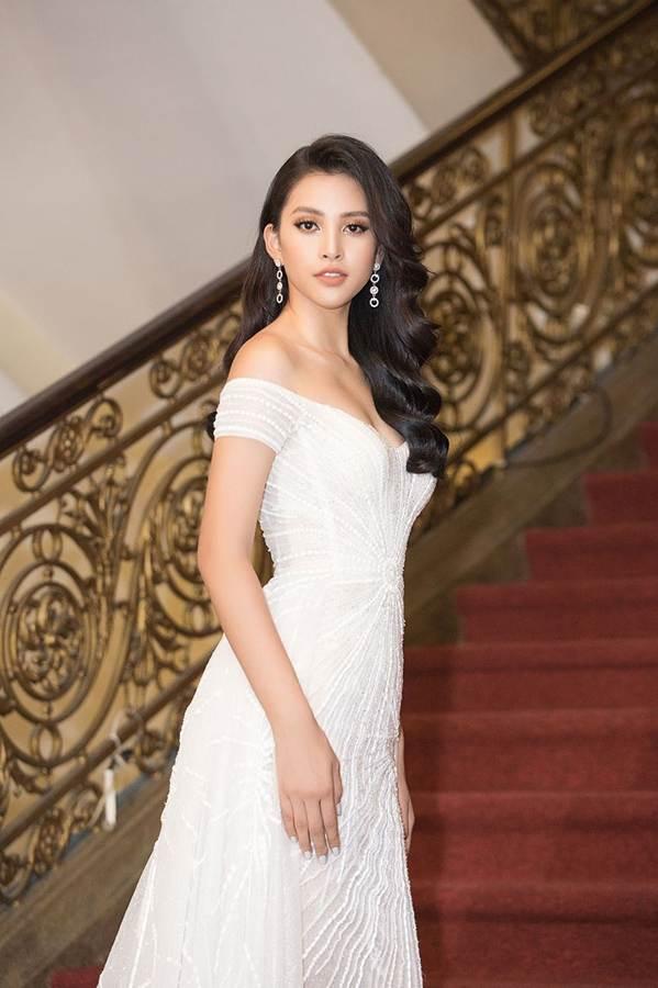 Dàn Hoa hậu, Á hậu gây náo loạn thảm đỏ lễ trao giải Mai Vàng-2