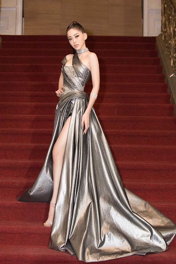 Dàn Hoa hậu, Á hậu gây náo loạn thảm đỏ lễ trao giải Mai Vàng-4