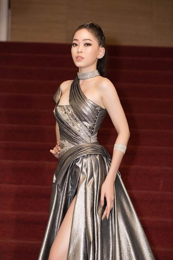 Dàn Hoa hậu, Á hậu gây náo loạn thảm đỏ lễ trao giải Mai Vàng-5