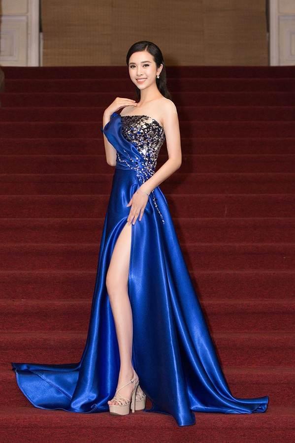 Dàn Hoa hậu, Á hậu gây náo loạn thảm đỏ lễ trao giải Mai Vàng-6