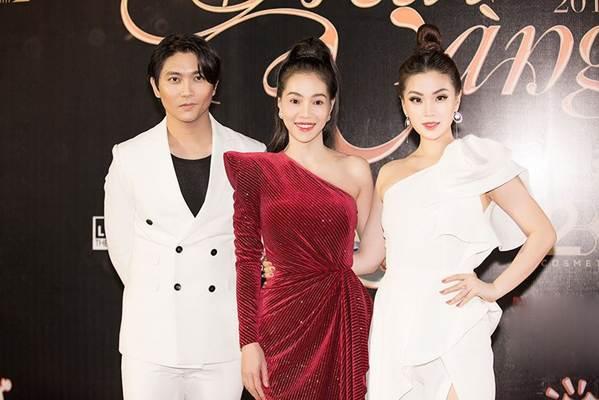 Dàn Hoa hậu, Á hậu gây náo loạn thảm đỏ lễ trao giải Mai Vàng-10