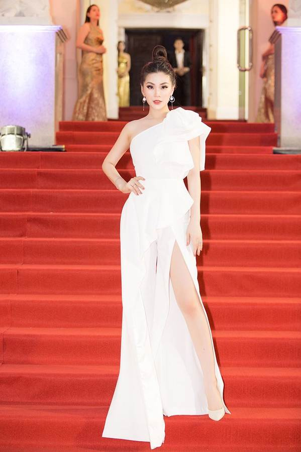 Dàn Hoa hậu, Á hậu gây náo loạn thảm đỏ lễ trao giải Mai Vàng-11