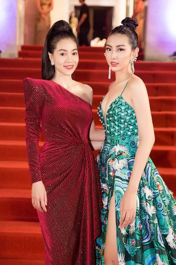 Dàn Hoa hậu, Á hậu gây náo loạn thảm đỏ lễ trao giải Mai Vàng-9