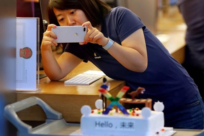 Giá iPhone XR và XS giảm mạnh trước Tết vì ế ẩm-2