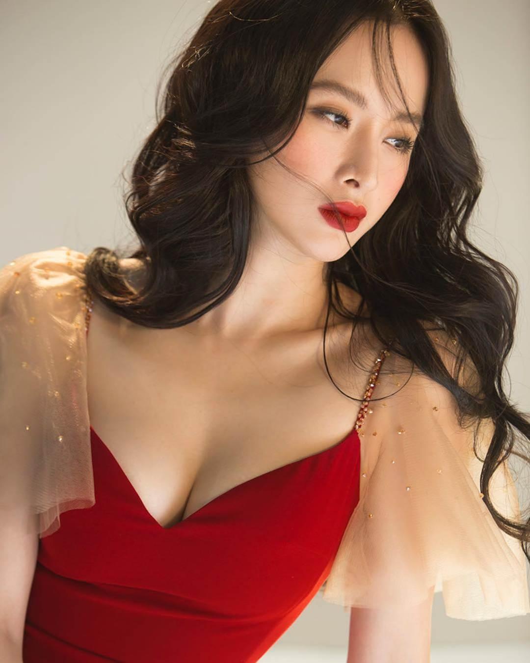Khi Người đẹp nghiện khoe thân Angela Phương Trinh thay đổi-3