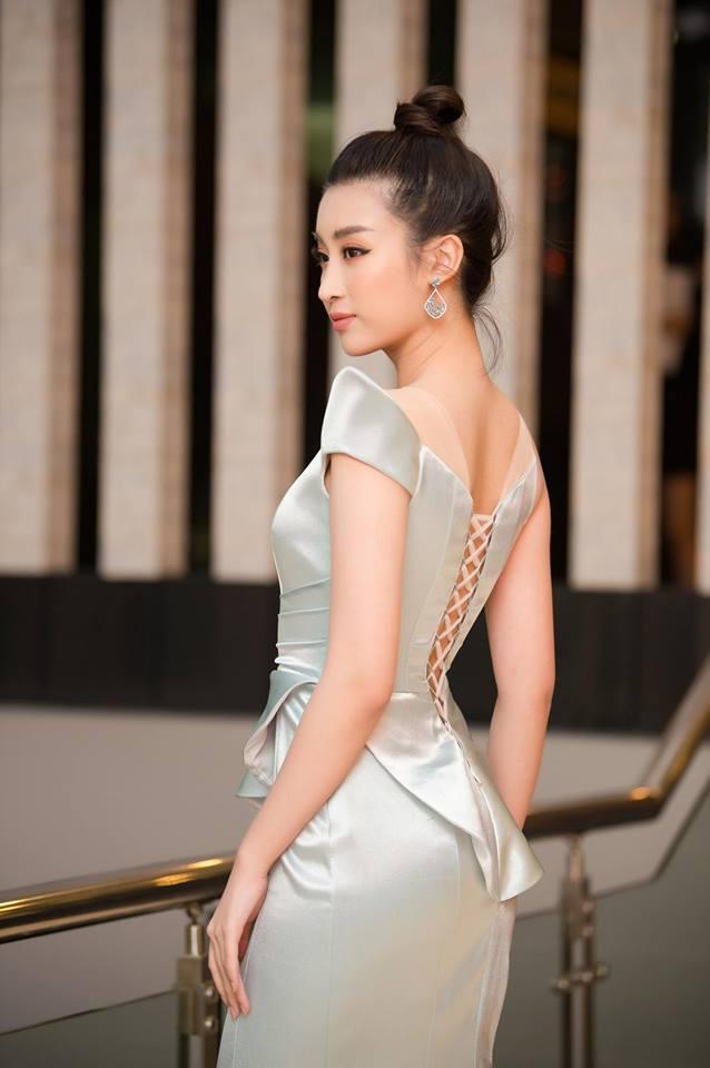 Hoa hậu Đỗ Mỹ Linh mê hoặc với tóc búi cao đầy thần thái-3