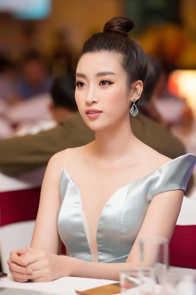 Hoa hậu Đỗ Mỹ Linh mê hoặc với tóc búi cao đầy thần thái-8