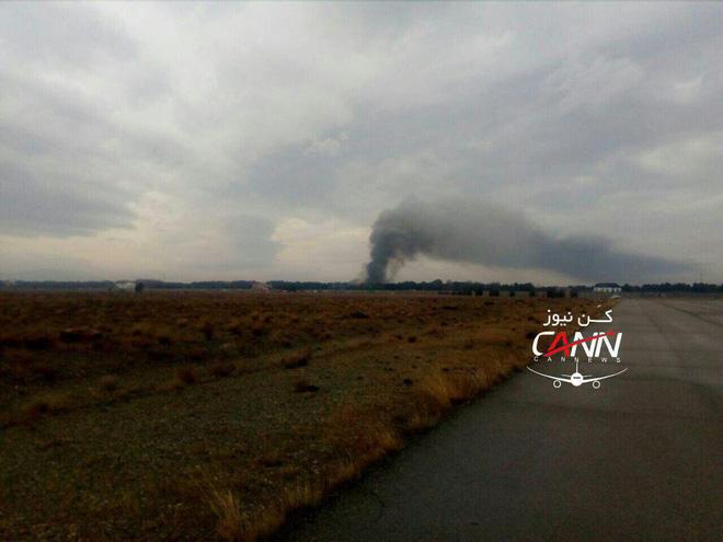 Trượt khỏi đường băng, Boeing-707 của quân đội Iran bốc cháy, chỉ 1 người sống sót-2