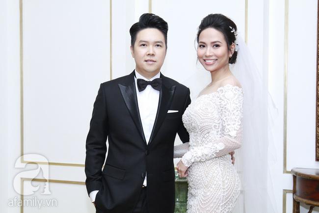 Cận cạnh vợ trẻ 9x da nâu miệng rộng của Lê Hiếu trong đám cưới hạng sang hạn chế khách mời-5