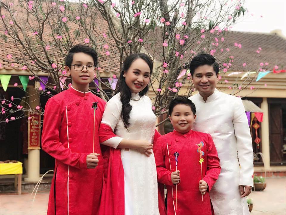30 tuổi mới kết hôn, chẳng ai ngờ con trai Thị Mầu Thu Huyền giờ lớn bổng không nhận ra-3