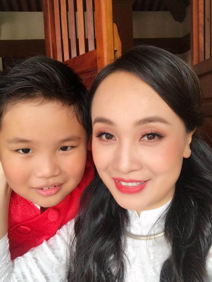 30 tuổi mới kết hôn, chẳng ai ngờ con trai Thị Mầu Thu Huyền giờ lớn bổng không nhận ra-5