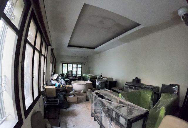 Nữ đại gia bí ẩn chủ căn biệt thự triệu USD bỏ hoang giữa TP Hồ Chí Minh-5