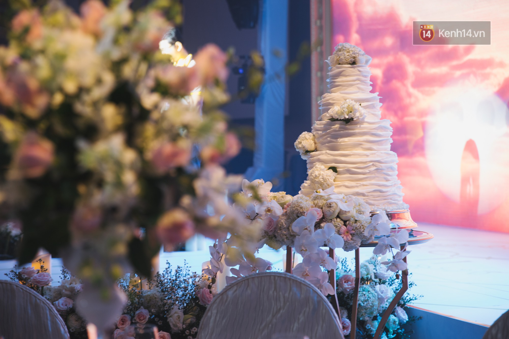 Dù rất hồi hộp, Lê Hiếu vẫn kịp nhắn đến bà xã lời hứa ngọt ngào trong đám cưới-17