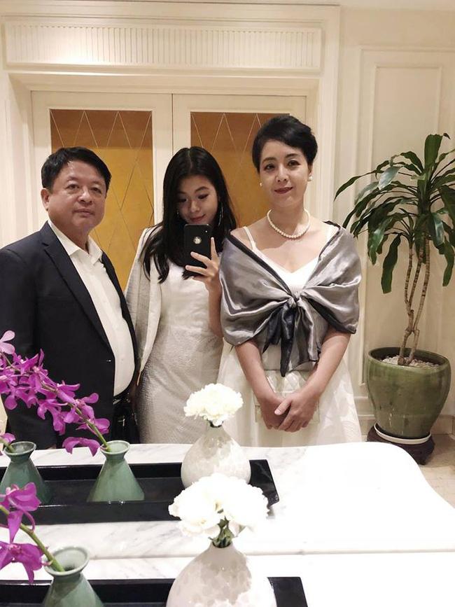 Ngỡ ngàng với nhan sắc ngọt ngào tuổi trăng tròn của Hồng Khanh - công chúa út nhà nghệ sĩ Chiều Xuân-7