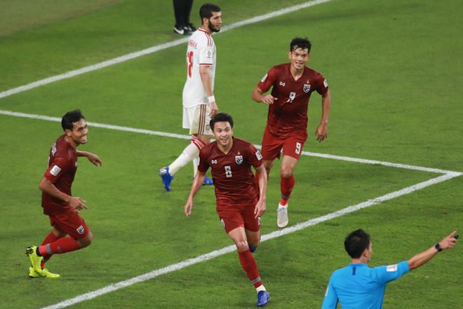 ĐT Thái Lan đi tiếp tại Asian Cup với vị trí nhì bảng, Ấn Độ bị loại-1