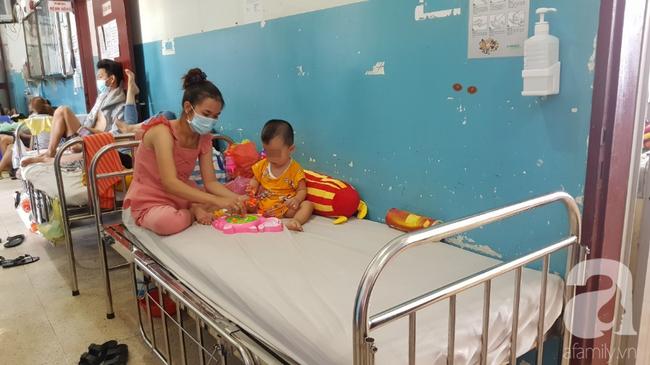 Hàng loạt thai phụ, trẻ nhỏ bị sởi rồng rắn nhập viện tại TP.HCM: Tăng gấp 50 lần, nhiều trường hợp không chích ngừa-10
