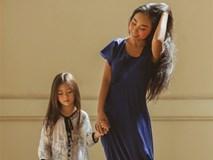 Đoan Trang nhẹ nhàng, bay bổng tạo dáng bên con gái