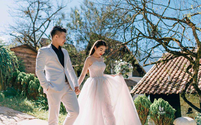 Nhan sắc lộng lẫy, gia thế đáng gờm của cô dâu sống trong lâu đài, đám cưới ngập vàng ở Nam Định-8