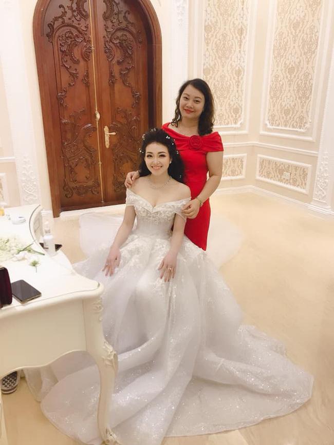 Nhan sắc lộng lẫy, gia thế đáng gờm của cô dâu sống trong lâu đài, đám cưới ngập vàng ở Nam Định-10