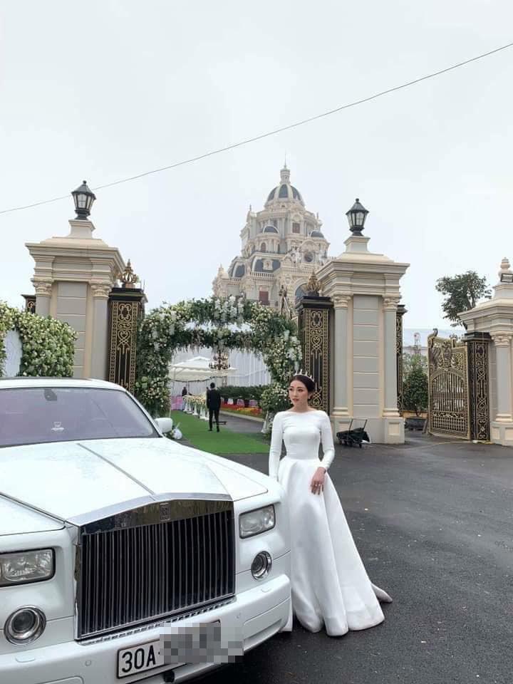 Lâu đài của đại gia Nam Định có con gái đeo vàng trĩu cổ ngày cưới-3
