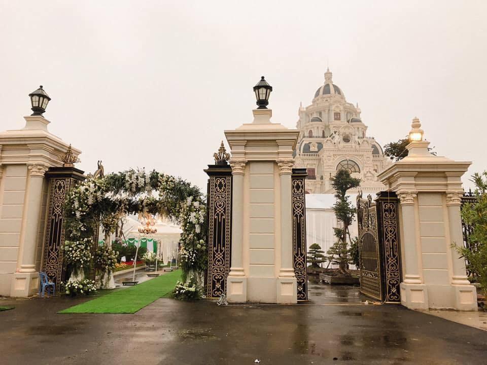 Lâu đài của đại gia Nam Định có con gái đeo vàng trĩu cổ ngày cưới-8