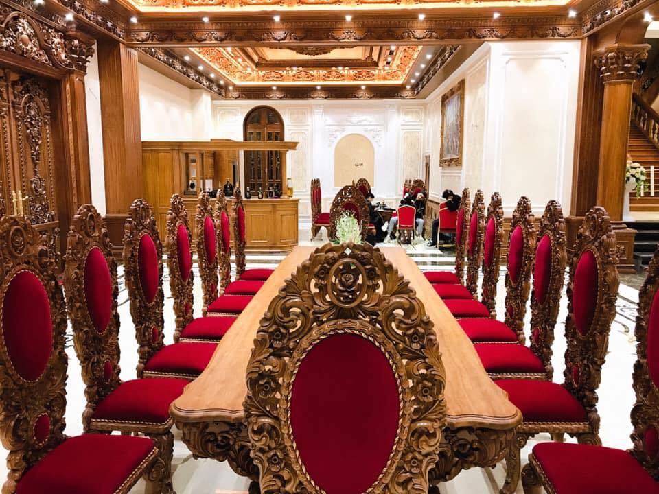 Lâu đài của đại gia Nam Định có con gái đeo vàng trĩu cổ ngày cưới-12