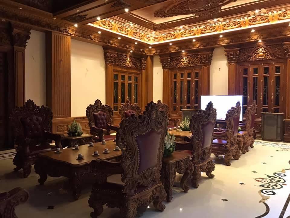 Lâu đài của đại gia Nam Định có con gái đeo vàng trĩu cổ ngày cưới-11