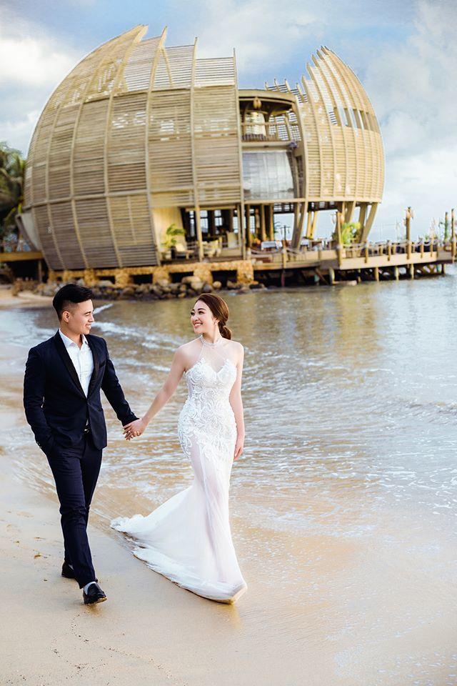 Lâu đài của đại gia Nam Định có con gái đeo vàng trĩu cổ ngày cưới-2