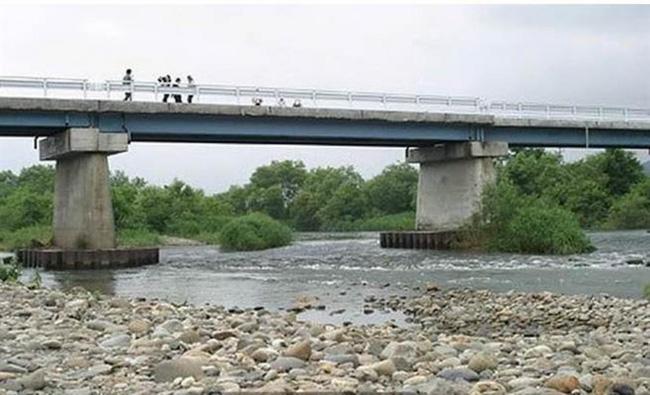 Hai đứa trẻ vô tội bị giết rồi vứt xác dưới chân cùng 1 cây cầu, thủ phạm là người nằm mơ không ai ngờ-4