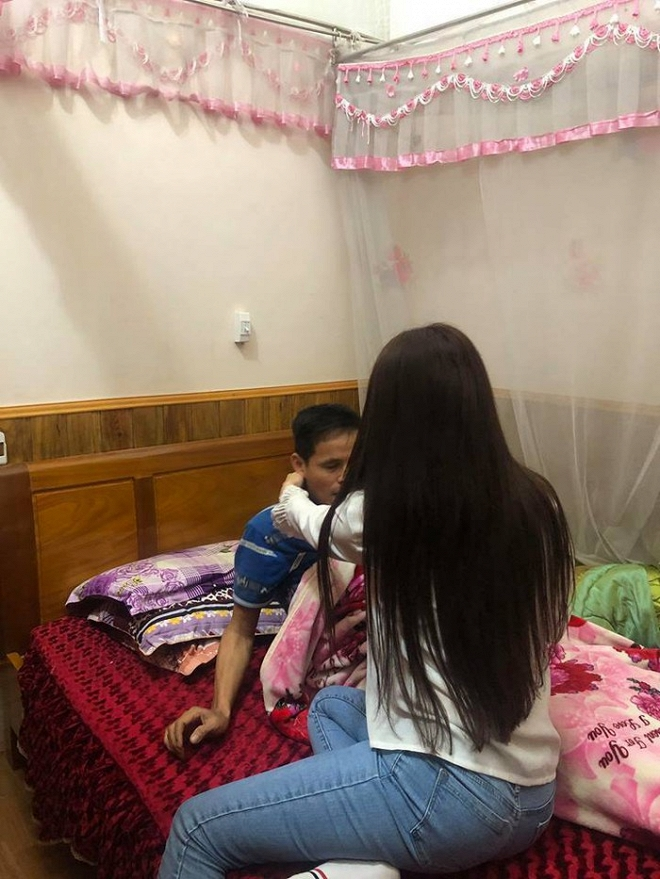 Tưởng có cuộc sống sang chảnh, Thư Dung lại bất ngờ để lộ gia cảnh nghèo khó ở quê ít người biết đến-4