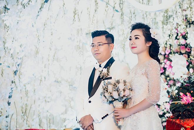 Cô dâu Nam Định được bố tặng 200 cây vàng: Chị gái từng được đón dâu bằng máy bay-4