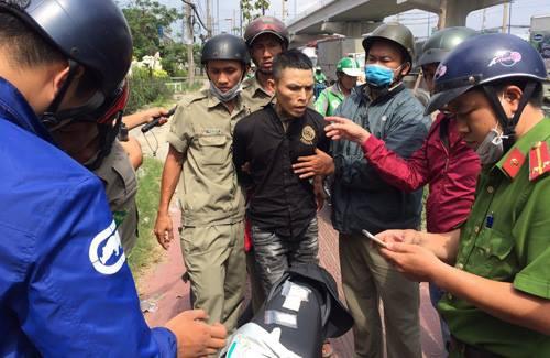 Nam thanh niên mua gấu bông tặng sinh nhật con để cất giấu ma tuý mang đi bán ở Sài Gòn-2