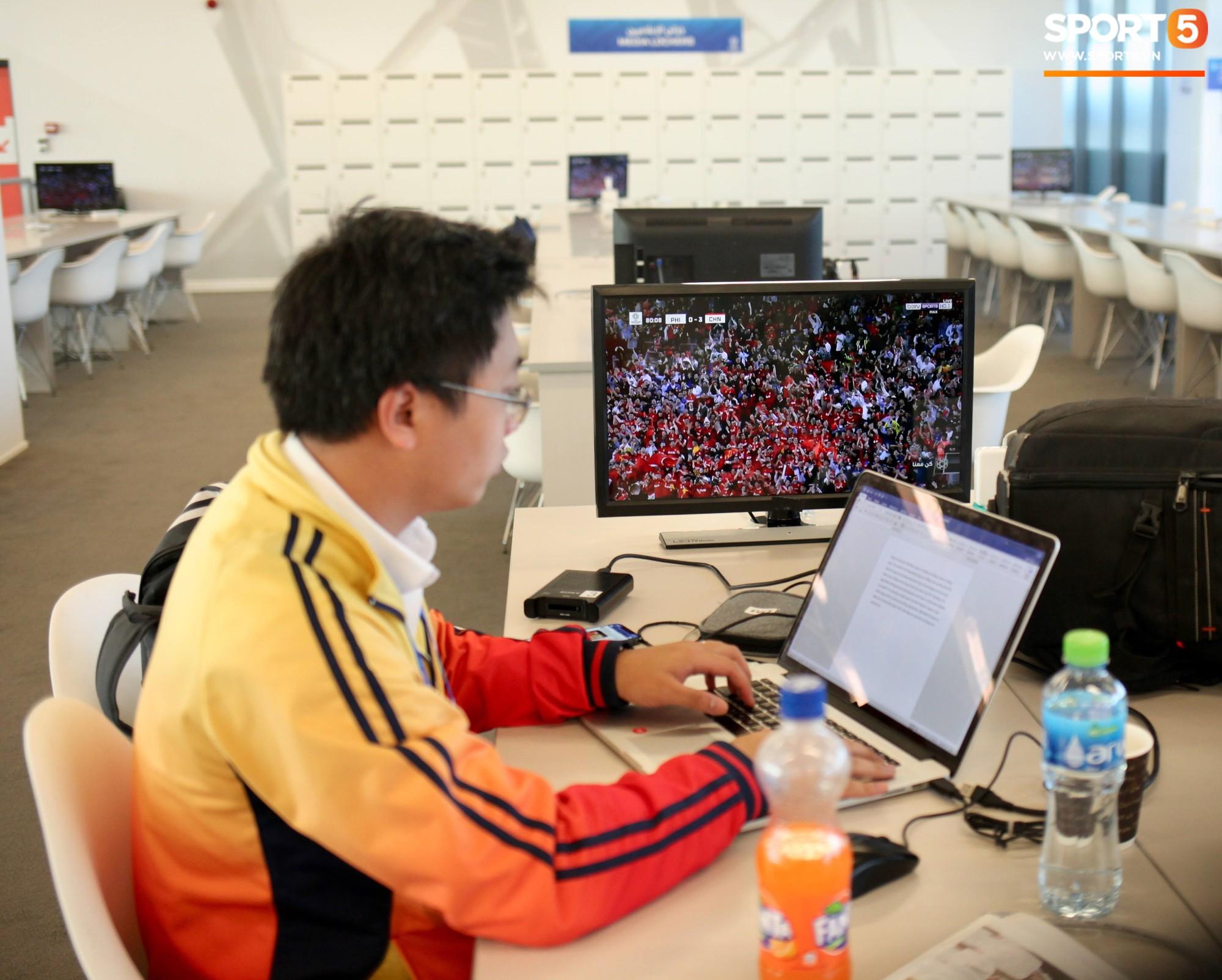 Chủ nhà UAE thể hiện chăm sóc phóng viên đến tận răng trong quá trình tác nghiệp tại Asian Cup 2019-2