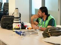 Chủ nhà UAE thể hiện chăm sóc phóng viên