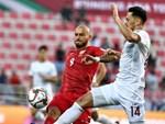 Quang Hải ăn mừng cực nhiệt khi tái hiện siêu phẩm cầu vồng tại Asian Cup 2019-10