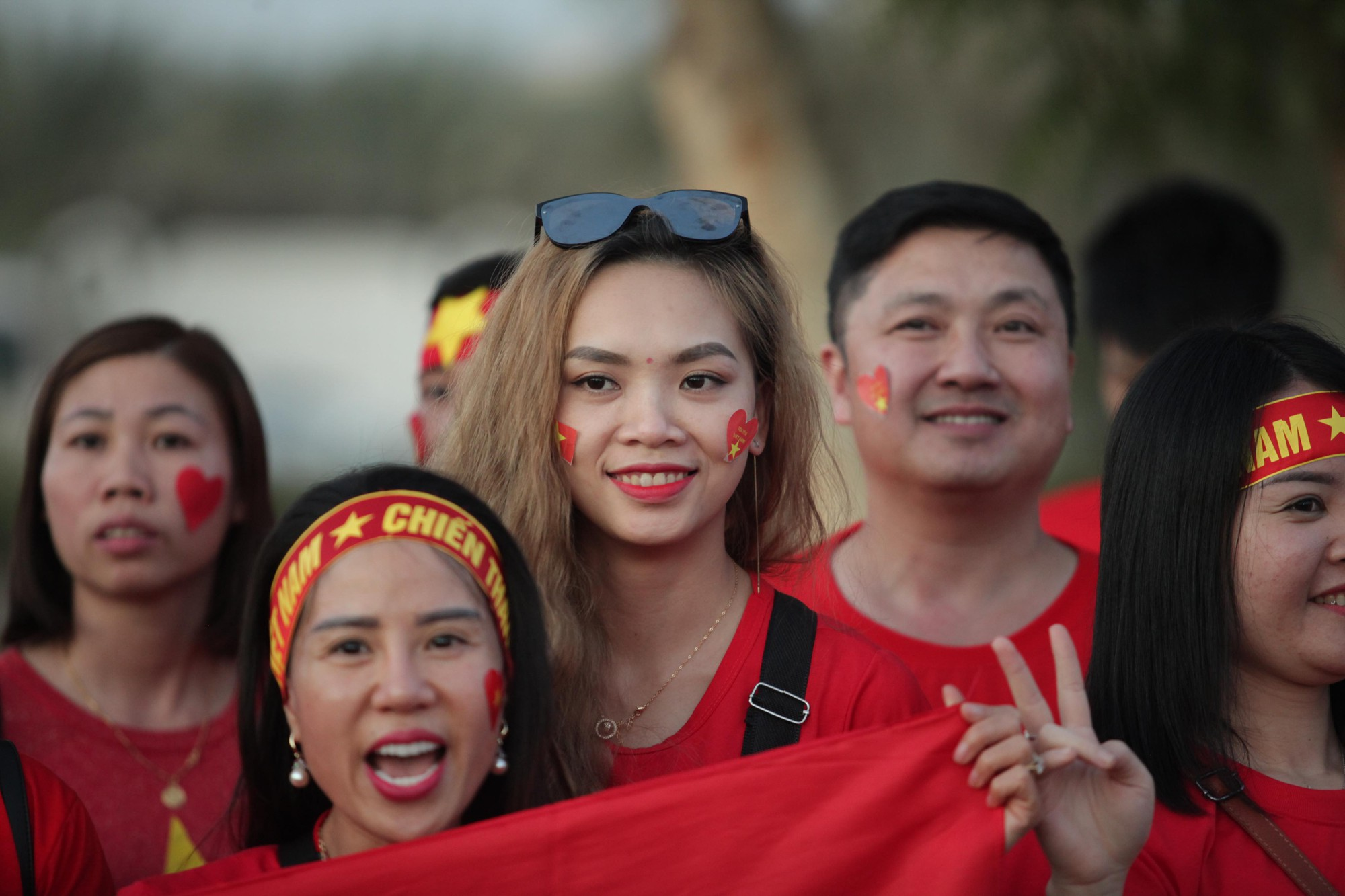 Cổ động viên Sài Gòn tiếp lửa cho đội tuyển Việt Nam lúc nửa đêm-9