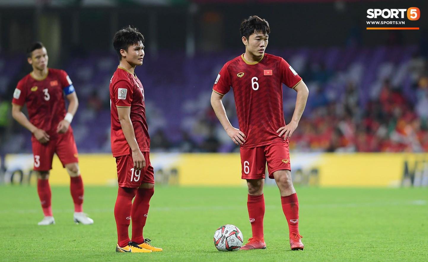 Quang Hải ăn mừng cực nhiệt khi tái hiện siêu phẩm cầu vồng tại Asian Cup 2019-1
