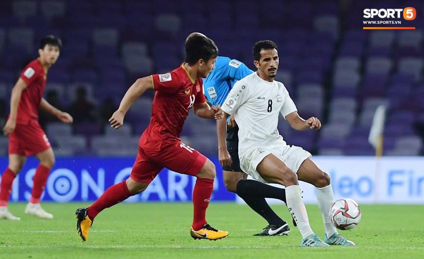 Quang Hải ăn mừng cực nhiệt khi tái hiện siêu phẩm cầu vồng tại Asian Cup 2019-7