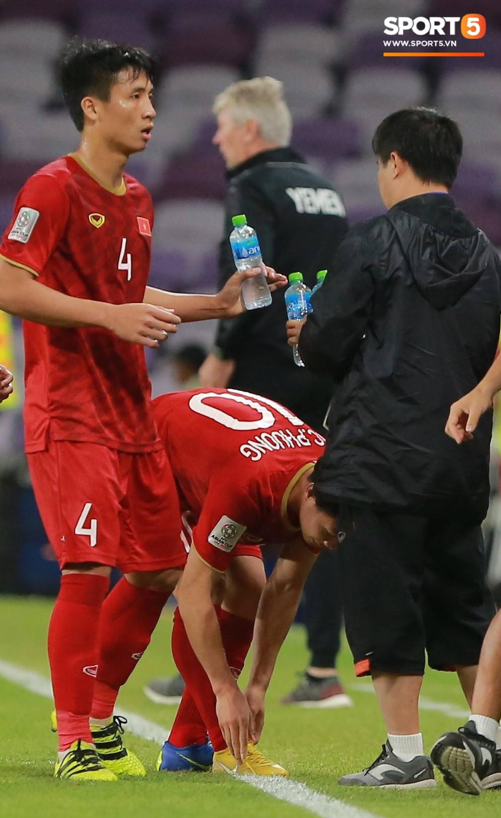 Công Phượng thay giày đổi vận giữa trận đấu Việt Nam và Yemen-4