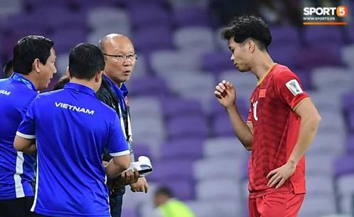 Công Phượng thay giày đổi vận giữa trận đấu Việt Nam và Yemen-6