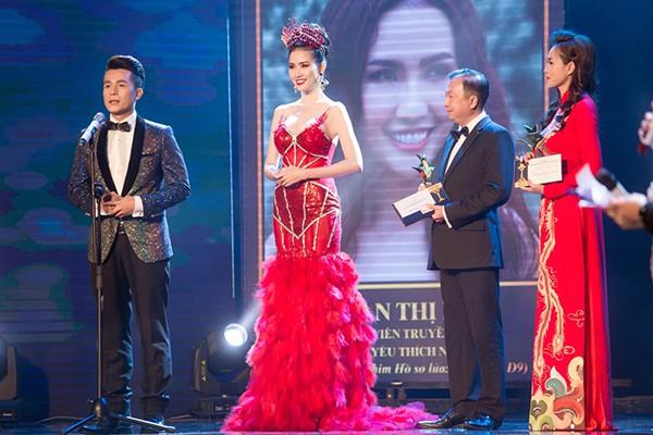 Cuộc sống giàu sang của mỹ nhân thi 7 lần mới đăng quang hoa hậu-10