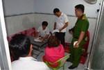 Xế hộp Camry bất ngờ gặp tai nạn tại đường giao cắt vào bệnh viện, lật ngửa-3