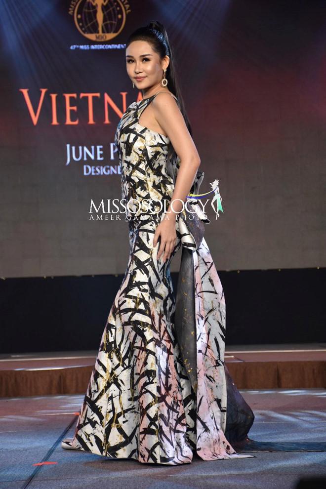 Khoe vòng ba 97 cm, Ngân Anh vẫn trắng tay trước chung kết Miss Intercontinental-2