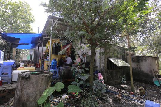 Xót lòng đám tang vợ chồng nghèo chết dưới bánh xe container, bỏ lại 3 con thơ-6